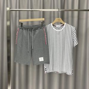 Estate Moda primavera Europa Italia Stripe Tee pantaloncini di cotone della maglietta del manicotto degli uomini delle donne di strada usura casuale T Shirt Pantaloni Tuta Set