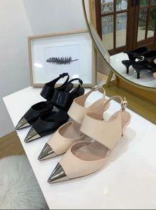 Hot vente-nouvelle arrivée femmes desigh Sandals talon mince en cuir Sandales chaussures de mariage à bout ouvert chaussures de soirée robe noire + boîte