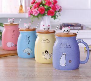 Tazas de café Cat Tazas de cerámica con cuchara tapa Chicas de dibujos animados Taza de leche Estudiante resistente al calor Drinkware al por mayor LYW2840