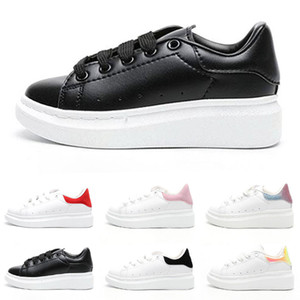 Designer Brand Mcqueen bambini dei pattini casuali delle ragazze dei ragazzi Black Velvet Bella Piattaforma bambini Sneakers Abito di lusso scarpe più piccoli regalo 24-35