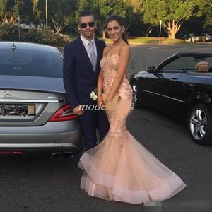 Stuning Blush Pink Mermaid Prom Dresses with Luxury Lace Applique Beaded Long Sweep Train Zipper Back Tiered Skirt Evening Party Gowns
