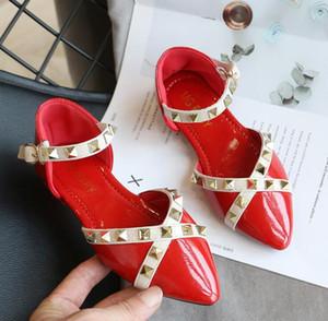 Crianças Sandálias meninas 2020 Rivet Princesa Verão romanos Calçados das meninas sapatos calçados exteriores moda infantil Sandálias Flat