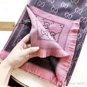 Классический кашемир тянуть шерсть длинный шарф выбран в трех цветах для вас. Независимо от того, как она соответствует, это не полный вкус. Он имеет S