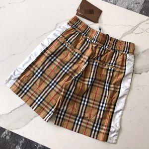 20SS Nouvelle arrivée Pantalon de Designer Femme d'été Shorts femmes Taille Plus vrac Trou Glands Hot Classique Jeans sexy robe fille Printemps 4.20