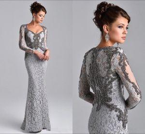 2019 Prata frisada Mãe dos vestidos de noiva Modest mangas compridas Lace Mães Vestidos Plus Size formal do partido de vestidos de noite com Crystal