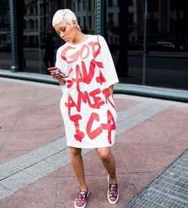 Lettera Stampa bianchi Abiti casual per oversize T-shirt donna della roccia di modo manicotto mezzo allentato Ogni giorno abiti ginocchio lunghezza Dress Asiatica Misura