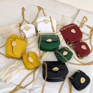 Motif en pierre PU Sacs Crossbody cuir pour les femmes épais chaîne de conception d'épaule Messenger Bag Lady Mini Tote Color solide Sacs à main