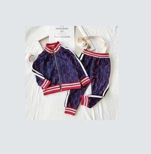 مصمم A01 الجديدة ملابس أطفال مجموعات جديدة فاخرة طباعة رياضية رسالة موضة جاكيتات + ركض عارضة الرياضة نمط البلوز بنين بنات.