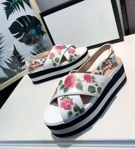 7 СМ Рот Рыбы Женщины открытый клинья сандалии дизайнер вышивки Цветы Пчелы леди Туфли На Платформе Слайды Femininas брюк Плюс Размер 41 42