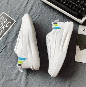 avec des chaussettes noires luxe libres 2020 hommes blancs chaussures casual sport design espadrille en plein air respirante chaussure de course de planche à roulettes Jogging eur36-44