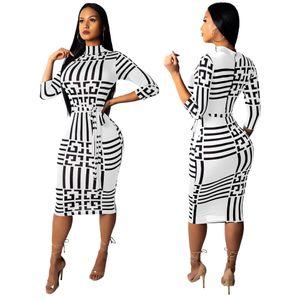 Diseñador de vestidos de mujer Verano Casual Europa y los Estados Unidos con un estampado floral Moda Slim Sexy Mujeres de una sola pieza Falda 2 colores