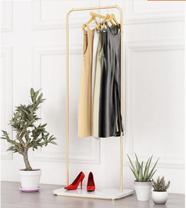 Mármol de metal que cuelga en la percha de capa sencilla salón dormitorio moderno percha de la ropa de noche de aterrizaje estante