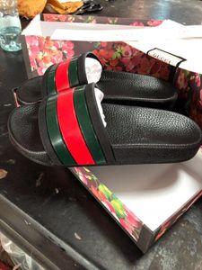 2019 mit box heiße marke Männer Strand Slide Sandalen Medusa Scuffs 2017 Hausschuhe Herren weiße Strand Mode slip-on designer sandalen US 7-12