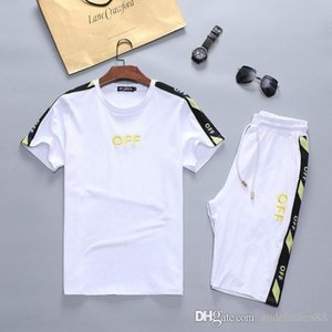 Luxury Mens Short Tracksuit 2020 Designer Casual Tracksuits Brand Letters Print Embroidery Color T-shirt with Medusa summer short sport suit