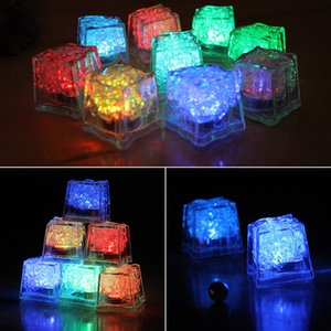 Cubi Flash Light Ice LED 50pc / lot, cerimonia nuziale del partito di ghiaccio luce, colore cristallo cubo flash, i regali di Natale