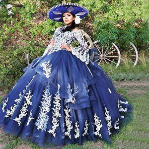 Vintage Navy Blue Princess Quinceanera Robes de mariée cou Flare manches longues blanc bonbon 16 Masquerade appliques robe de bal