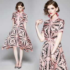 Потрясающая Paisley печать Колена Асимметричного платье новых женщин Элегантный отворот шея офис Lady Sexy Тонкого Runway партия Вечерних платья