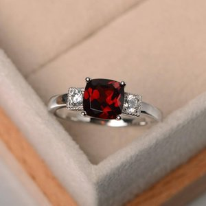 European and American Simple Classic Exquisite S925 Sterling Silver Drop Ring Ruby Diamond Ring Ladies Jewelry