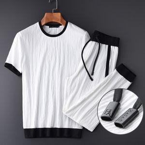 Minglu verano delgada hombres (camiseta + pantalones) Arrugas tela de lujo para hombre Casual Tamaño Sport Plus 4XL del color del contraste hombre Establece T200324