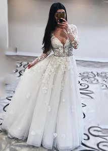 Charming Long Sleeve Wedding Dresses With Crystal Appliqued A Line Bride Gowns Soft Tulle Backless Customized Wedding Dress