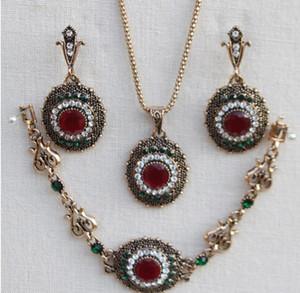 Jahrgang ethnischen Stil Halskette Ohrringe Ring Set Schmuck vierteilige Reihe von Staubexplosion Volumen großen Preis ausgezeichnet