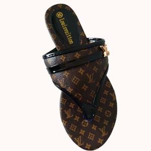 2020 new mulheres de couro designer de aleta de luxo sandália sandálias metal Verão chinelo Grande tamanho 35-43