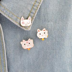 kadınlar kız çocuklar için bayan Zoe Emaye pimi Sevimli Karikatür Fortune Kedi Plutus kedi göz yavru Paw Broş iğneler Rozet Hediye Takı