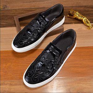 2019 Estilo europeu de couro Genuíno dos homens de Moda sapatos de lazer clássico modelo masculino sapatos casuais condução sapatos de negócios vestido. Grande código 37 46
