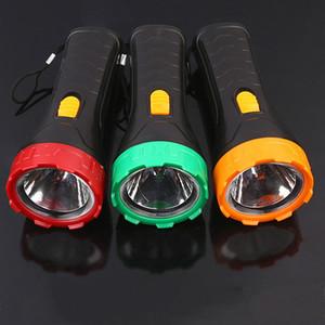 شل البلاستيك مضيا التكتيكي المشي لمسافات طويلة التخييم في الهواء الطلق الرئيسية الشعلة البسيطة ضوء مصباح صغير محمول مصباح توفير الطاقة