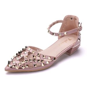 Fashion rivet pointed hollow low low-heeled Liuting shoes Roman sandals(Buy 10 and send one glasses)