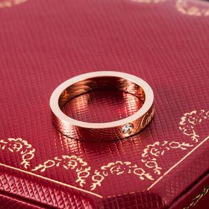 Tasarımcı Marka Yüzük Takı Erkek / Bayan Tam cz Elmas Aşk Yüzük Altın 3 Renk Çift Yüzük Titanyum Çelik Yüksek Kutusu ile Lover Rings Cilalı