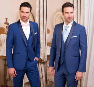 Classy Beau Royal Blue Smokings Slim Fit Costumes de mariage des hommes Un bouton Groom Porter trois pièces costume formel (veste + pantalon + Gilet)