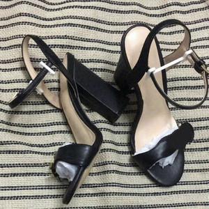 Moda tasarımcısı kadın Deri sandalet yüksek topuklu sandalet deri yumuşak süet rahat lüks Seksi ayakkabı Çift Mektuplar tıknaz topuk sandal