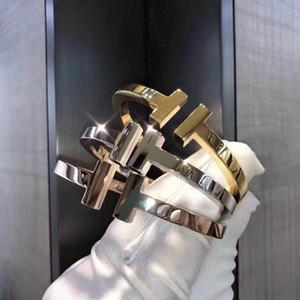 Aço Inoxidável Jóias Lazer Viagens Mens Gold Braceletes Designer de Luxo Bangles Double T Espessura Bracelete Designer de Luxo Mulheres Pulseira
