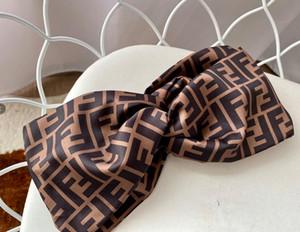 bandas de seda del nuevo diseñador turbante vendas de alta calidad para mujer de la marca impresa letra de las vendas del pelo del diseño de marca Turbante para muchachas de las mujeres