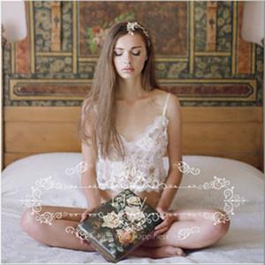 Il nuovo modo 2018 donne sexy 2PCs Solid Lace Reggiseno seno scoperto Lingerie Set Vuoto-fuori Giarrettiera Cinture biancheria da notte Brief Set Hot