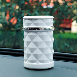 Accesorios de coches de lujo universal portátil boquilla coche de luz LED Cenicero Car Styling Humo Negro Blanco Almacenamiento Copa DH0971 T03