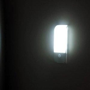 Brilhante LEDHoliday iluminação da lâmpada Pir Luzes de Sensor de Iluminação Lâmpadas de parede Gabinete luz de carga parede Roupeiro JK0348