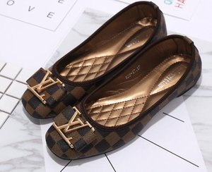 ggBrand Femmes chaussures grande taille 35-42 Slide Huaraches Chaussures de créateurs de mode Baskets pour Porter par chaussures Élégantes dames appartements 36-42 01