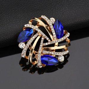 Broche de la flor de cristal de la moda para la boda Rhinestone Flower Broches Pines Elegant Women Gift Buckle Broches B310