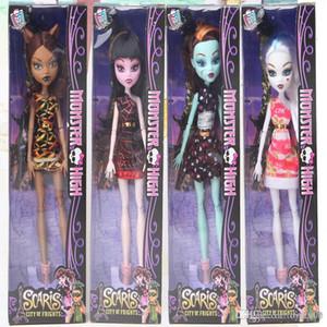Nuevo estilo Monster Fun High Dolls figuras de acción Monster Draculaura Hight Moveable Joint Niños Mejor regalo Muñecas de moda para niños juguetes666