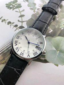 2019 new leather top luxury fashion men's watch designer popular quartz watch sports military Roman numerals black watch