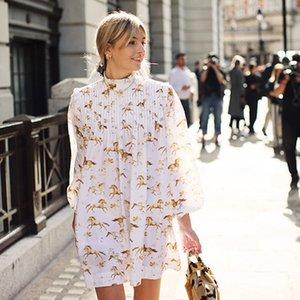 Nordic 2019 ilkbahar ve yaz yeni beyaz at baskı uzun kollu yüksek boyun pileli elbise kadın elbise