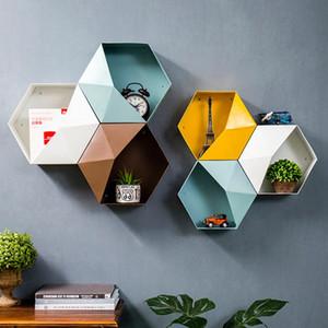 Nueva hexagonales de metal que cuelga titulares Plataforma moderna personalizada Geometría del color de la sala pared elimina el núcleo de artículos varios de almacenamiento de hierro Crafts T200319