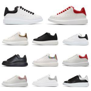 Delle donne degli uomini formatori mqueen piattaforma Queens chaussures Casual Shoes Red Python tripler nero bianco riflettente statici Sneaker Sneakers