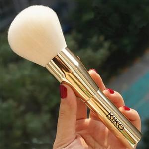 Spazzola per capelli KIKO Big Powder Brush con manico in metallo dorato