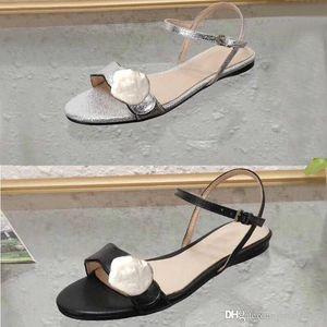 Damas clásicas sandalias Hebilla Hebilla de metal Cuero de fondo plano Zapatos de mujer de playa Diseñador Mujer de lujo Sandalias Negro Tamaño grande us11 10 35-42