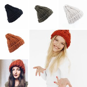 Women Warm Beanie Hat Fashion Solid Colors Winter Hat Girl Knitted Hip Hop Cap Outdoor Lady Travel Ski Cap TTA1580