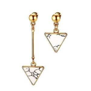 14K Gelbgold plattiert Womens Chirurgenstahl weißes Dreieck Marmor asymmetrische Tropfen baumeln Quaste Ohrringe