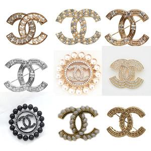 Heißer Verkauf Designer Broschen Mode Goldwölbung Luxus-Broschen Frauen Brosche Kleidung Schmuck Zero-Profit
